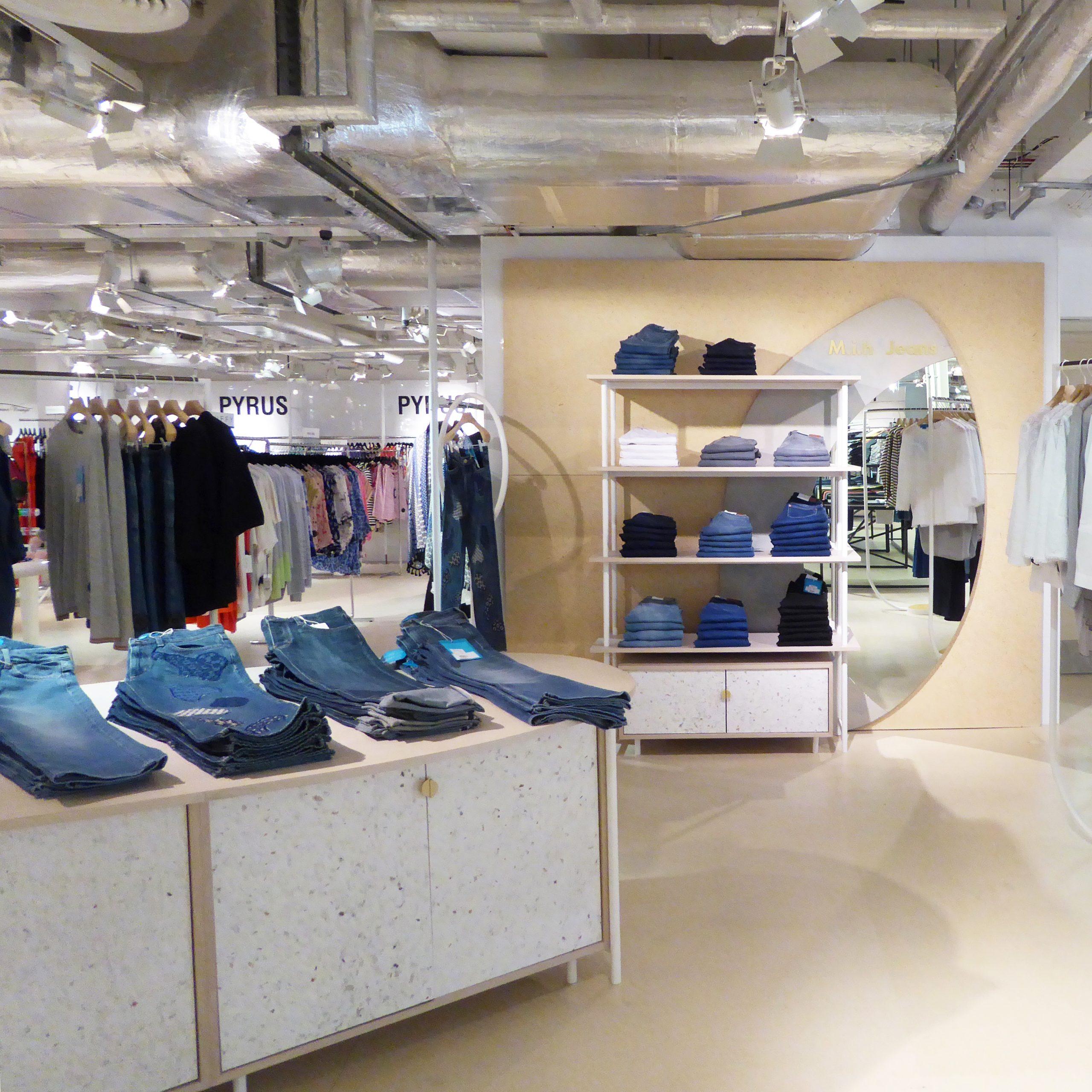 Mih Jeans at Selfridges in Alba. Designed by de Allegri Fogale. Material: Alba.